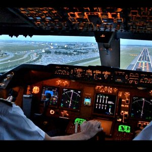 My Life As an Airline pilot @PilotAmireh   Aircraft Pilot